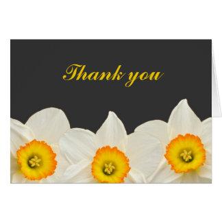 La flor amarilla y gris del narciso le agradece tarjeta de felicitación