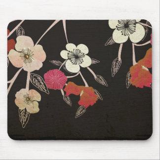 La flor de cerezo florece Mousepad
