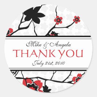 La flor de cerezo moderna le agradece los pegatina redonda