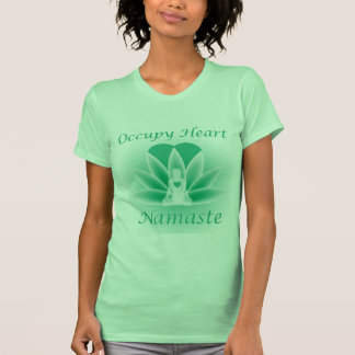 La flor de la mujer de Lotus de la yoga de Namaste T-shirt