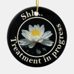La flor de Lotus flotante no perturba Ornamentos Para Reyes Magos