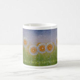 La flor se descolora taza taza básica blanca