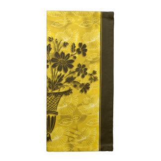 La flor siluetea las servilletas de Coctail del