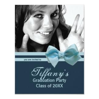 La foto azul de moda de la fiesta de graduación comunicado