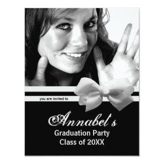 La foto blanca de moda de la fiesta de graduación comunicados personales