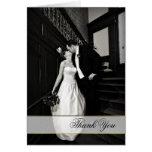 La foto de encargo elegante del boda le agradece c tarjeta de felicitación