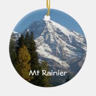 La foto de la opinión del Monte Rainier Solo-Echó Adorno Navideño Redondo De Cerámica