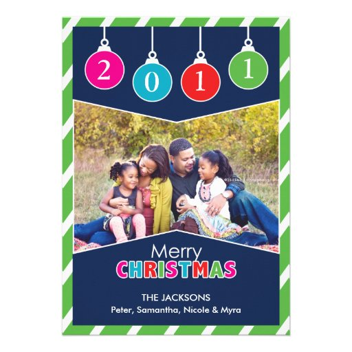 La foto de las Felices Navidad adorna la tarjeta p