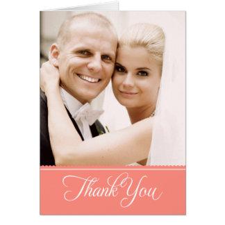 La foto del boda le agradece el rosa coralino de tarjeta pequeña
