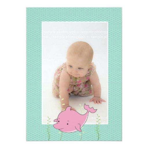 La foto del delfín del rosa del bautizo del comunicados personales
