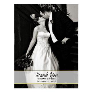 La foto elegante del boda le agradece postal
