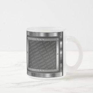 La foto escarchada del metal de los azules claros  taza de café