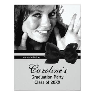 La foto negra de moda de la fiesta de graduación anuncio