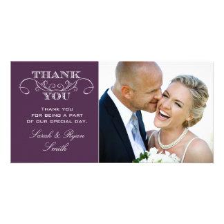 La foto púrpura elegante del boda le agradece las tarjeta fotográfica personalizada