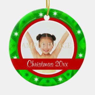 La foto verde roja del navidad personaliza adornos