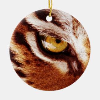 La fotografía del ojo del tigre adorno navideño redondo de cerámica