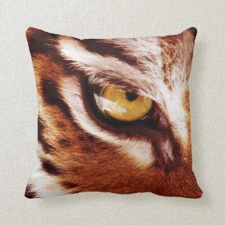 La fotografía del ojo del tigre almohada