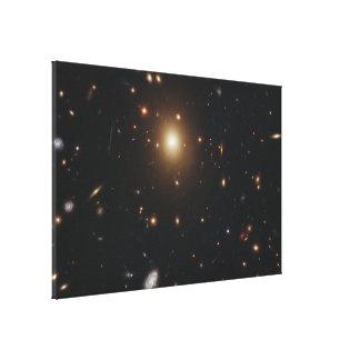 La galaxia del monstruo carece una base brillante impresión en lienzo