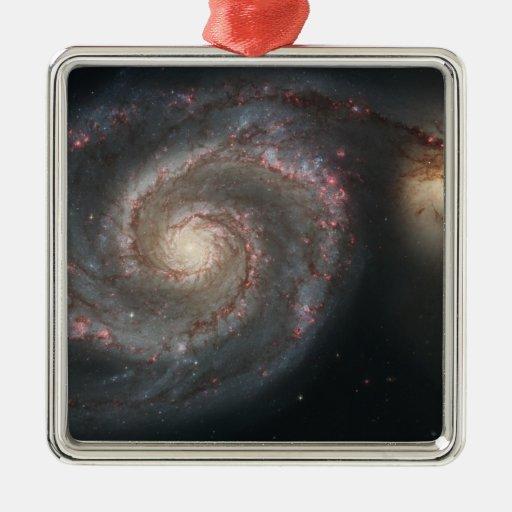 La galaxia del torbellino (M51) y galaxia del Adorno Para Reyes