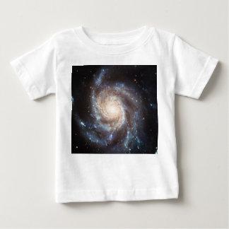 La galaxia NGC 5457 101 más sucios del molinillo Remeras
