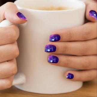 La galaxia protagoniza el espacio rosado púrpura pegatinas para uñas