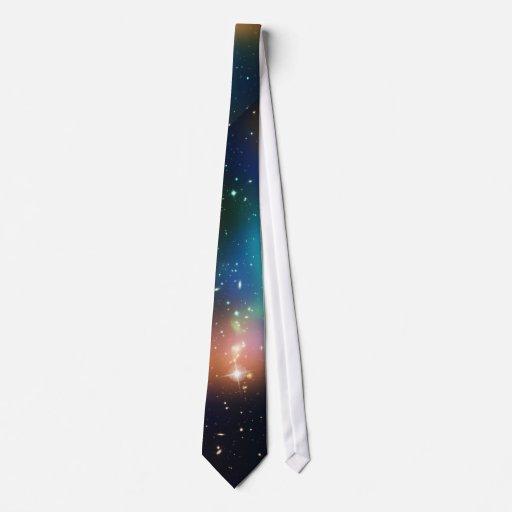 La galaxia protagoniza la impresión colorida de la corbatas