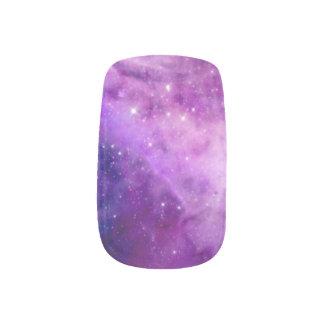 La galaxia púrpura protagoniza el espacio rosado pegatinas para uñas
