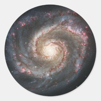 La galaxia un 51a más sucio NGC 5194 de Whirlpool Pegatina Redonda