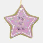 La galleta de la estrella del rosa de bebé con adorno navideño de cerámica en forma de estrella