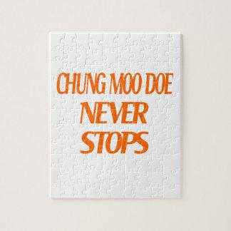 La gama del MOO de Chungkin nunca para Puzzles