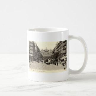 La Gare du Nord vintage de París, Francia c1905 Taza