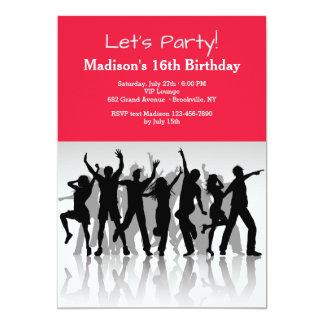 La gente del fiesta siluetea la invitación