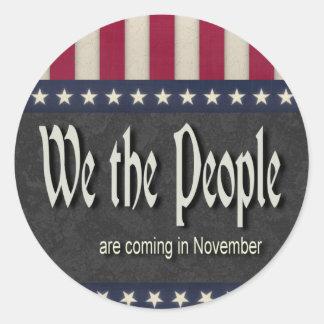 La gente estamos viniendo en noviembre pegatinas redondas