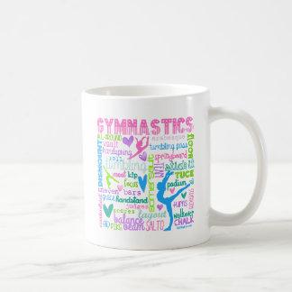 La gimnasia en colores pastel redacta tipografía taza
