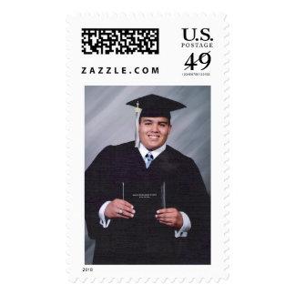 La graduación de Anthony le agradece sellar Sello