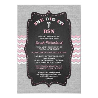 """La graduación de la enfermera de BSN invita, Invitación 5"""" X 7"""""""