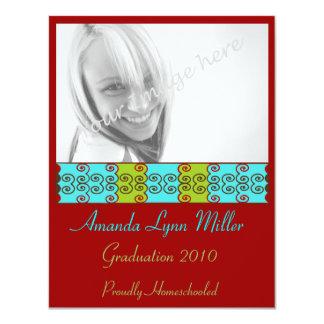 La graduación de moda de las volutas invita invitacion personalizada