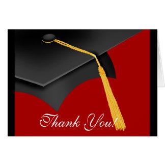 La graduación le agradece casquillo rojo del tarjetón