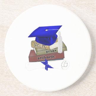 La graduación reserva el casquillo y el diploma, posavasos diseño