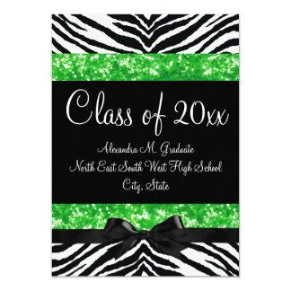 La graduación verde del arco de la cebra de la invitaciones personales