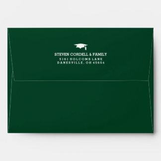 La graduación verde y blanca 5x7 invita al sobre