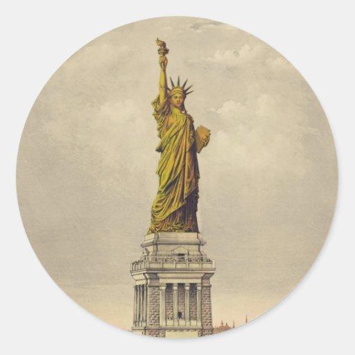 La gran estatua de Bartholdi de la libertad Pegatina Redonda