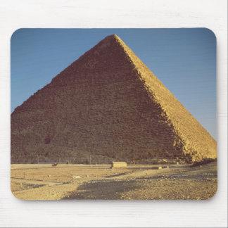 La gran pirámide del viejo reino de Khufu Alfombrillas De Raton