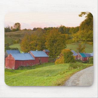 La granja de Jenne en Woodstock, Vermont. Caída Tapetes De Ratón