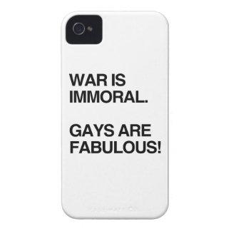 LA GUERRA ES INMORAL. LOS GAYS SON FABULOSOS iPhone 4 Case-Mate COBERTURAS