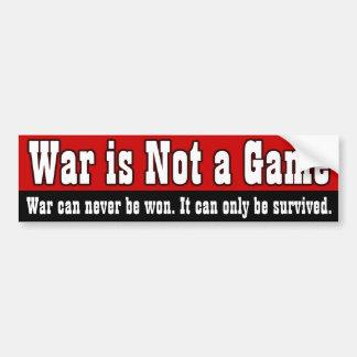 La guerra no es un juego pegatina para auto