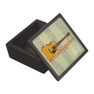 La guitarra acústica del auditorio caja de regalo de calidad