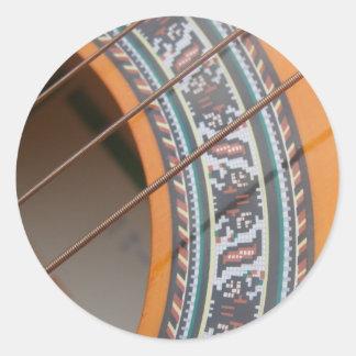 La guitarra ata alrededor de los pegatinas pegatina redonda