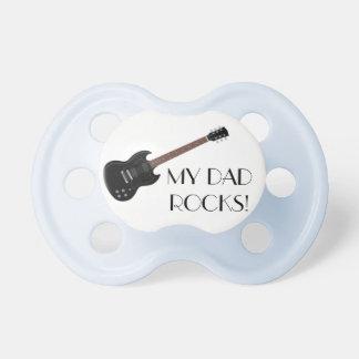 """La guitarra """"mi papá oscila"""" el pacificador del chupetes para bebés"""