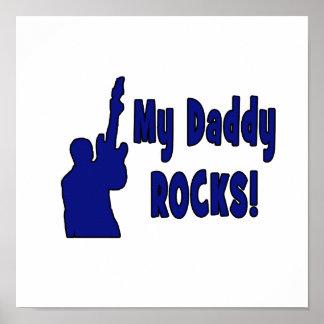 la guitarra oscila el azul que soporta rocas eléct póster